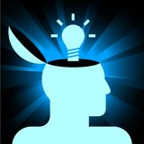 Cabeça humana com lâmpada Foto de Stock Royalty Free