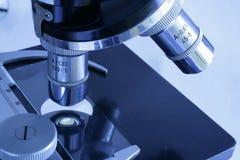 Cabeça-somente do microscópio Fotos de Stock Royalty Free