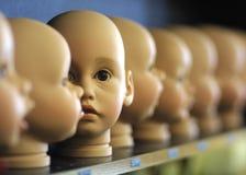 Cabeças das bonecas fotografia de stock royalty free