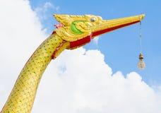 Cabeças de Naka ou de Naga ou serpente no templo budista em Tailândia Foto de Stock Royalty Free