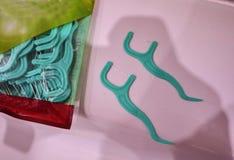 Cabeças de reposição da escova para a escova de dentes elétrica Limpe muito mais eficazmente fotografia de stock royalty free