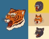 Cabe?as animais do vintage Logotipo para o t-shirt Tigre asiático selvagem, pantera, raposa, macaco A m?o tirada gravou monocrom? ilustração royalty free