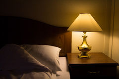 Cabeceira na noite foto de stock