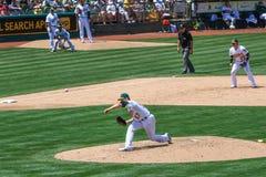 Cabeceo de Milone de Major League Baseball - de Oakland imágenes de archivo libres de regalías