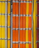 Cabel-arnés en un centro de datos Foto de archivo libre de regalías