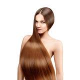 Cabelo longo hairstyle Mulher da beleza com cabelo preto liso saudável e brilhante longo Modelo de forma com cabelo brilhante Foto de Stock