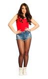 Cabelo reto da jovem mulher bonita, short das calças de brim e camiseta de alças vermelha Png disponível Imagens de Stock