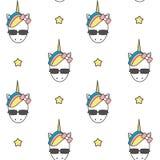 Cabeza colorida del unicornio de la historieta linda con el ejemplo inconsútil del fondo del modelo de las gafas de sol Foto de archivo