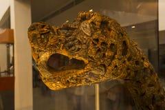 Cabeza del dragón en el museo de la nave de vikingos imagen de archivo libre de regalías