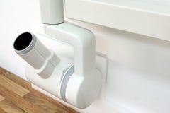 Cabeza del tubo de radiografía de DeÅtal en el brazo de extensión Imagenes de archivo