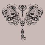 Cabeza estilizada del elefante, animal indio Garabatos ornamentales Línea arte ejemplo enredado linear dibujado mano tatuaje Foto de archivo