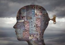 Cabeza humana biónica con los circuitos integrados y los mecanismos en el cerebro fotos de archivo