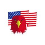 Cabeza roja del águila y bandera americana Imagenes de archivo