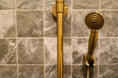 Cabezal de ducha de cobre amarillo de lujo Imagen de archivo