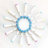 Cabezas electrónicas del cepillo de dientes en blanco Fotos de archivo