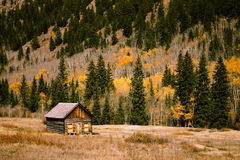 Cabin in countryside Royalty Free Stock Photography