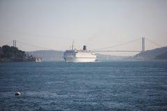 Cabin cruiser at bosphorus Royalty Free Stock Photos