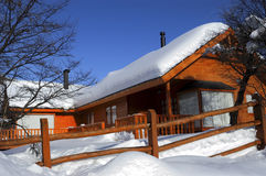 Cabin with snow Royalty Free Stock Image