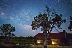 Cabin under stars Royalty Free Stock Photography