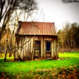 Cabin in the woods. Small wood cabin in the woods of tennessee Royalty Free Stock Images