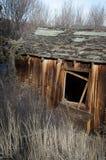 Cabina abandonada en la caída Fotos de archivo libres de regalías