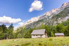 Cabina in alpi europee, kot di Robanov, Slovenia della montagna Fotografia Stock Libera da Diritti