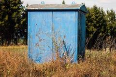 Cabina blu di un letturista del gas fotografia stock