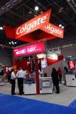 Cabina de Colgate en la mayor reunión dental de NY en Nueva York Imágenes de archivo libres de regalías