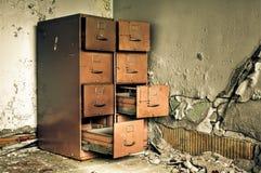 Cabina de fichero constructiva abandonada de Grunge Foto de archivo libre de regalías