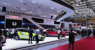 Cabina de Honda con el diverso coche en IIMS 2018