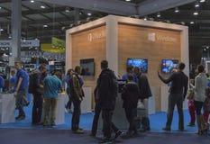 Cabina de la compañía de Microsoft en la ECO 2015, el más grande fotografía de archivo