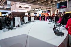 Cabina de la compañía de Microsoft en la feria profesional de la tecnología de la información del CeBIT Imagenes de archivo