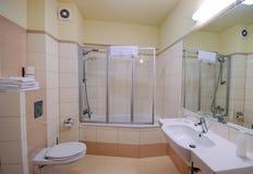 Cabina de la ducha del cuarto de baño Fotografía de archivo