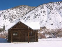 Cabina de la montaña fotografía de archivo