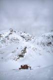 Cabina de registro en las montañas Fotos de archivo libres de regalías
