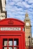 Cabina de teléfono roja de Londres Fotos de archivo libres de regalías