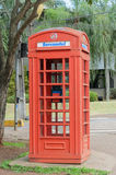 Cabina de teléfono roja de Londrinas Fotos de archivo