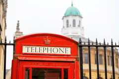 Cabina de teléfono roja Oxford, Inglaterra Fotografía de archivo libre de regalías