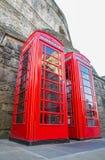Cabina de teléfonos británica roja clásica Fotografía de archivo