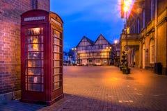 Cabina de teléfonos en la ciudad de Evesham imagenes de archivo