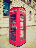 Cabina de teléfonos retra de Londres de la mirada Fotos de archivo libres de regalías