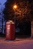 Cabina de teléfonos roja Fotografía de archivo libre de regalías