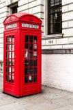 Cabina de teléfonos roja clásica de Londres Imagen de archivo