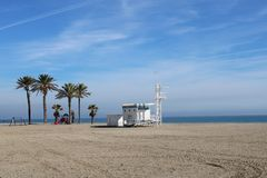 Cabina del bagnino sulla spiaggia fotografie stock libere da diritti