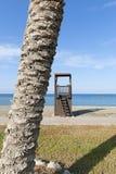 Cabina del bagnino sulla spiaggia Fotografia Stock Libera da Diritti