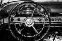 Cabina del coche de lujo personal Ford Thunderbird fotografía de archivo