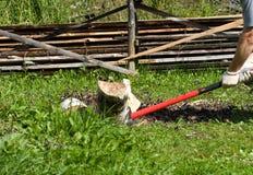 Cabina del legno del fuoco. Immagine Stock