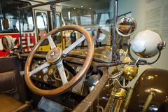Cabina del Mercedes-caballero del coche del vintage 16/45 picosegundo Tourer, 1921 Fotografía de archivo