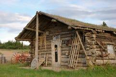 Cabina del Yukon dell'annata fotografia stock