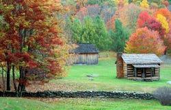 Cabina della montagna in autunno Fotografia Stock